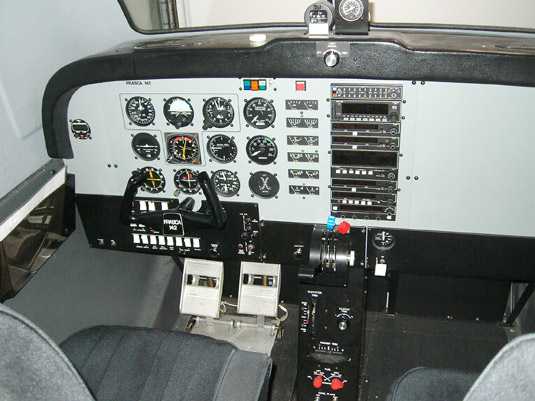 Frasca 142 Flight Simulator